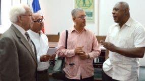 Los miembros de la Academía de Ciencias piden rechazar explotación minera.  José de León.