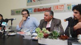 El grupo de investigadores sociales  presentó los resultados del estudio  durante el Almuerzo Semanal del Grupo de Comunicaciones Corripio. Elieser Tapia.