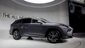 El Lexus RX resultó el SUV mediano de la gama alta más confiable según la encuesta. Troy Harvey/Bloomberg