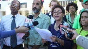 María Teresa Cabrera, Manuel Robles y Sabino Hernández, junto a otros dirigentes del movimiento Marcha Verde.