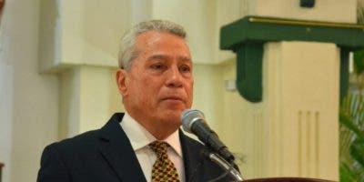El titular del MICM, Nelson Toca Simó.