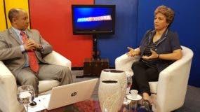 Rosario Espinal durante la entrevista con el periodista Elvis Lima. Fuente externa.