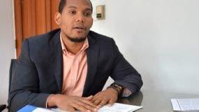 El periodista Pablo García denunció que el magistrado Francisco Rodríguez, responsable del caso, aún no ha tramitado la documentación para quitar la oposición al vehículo.