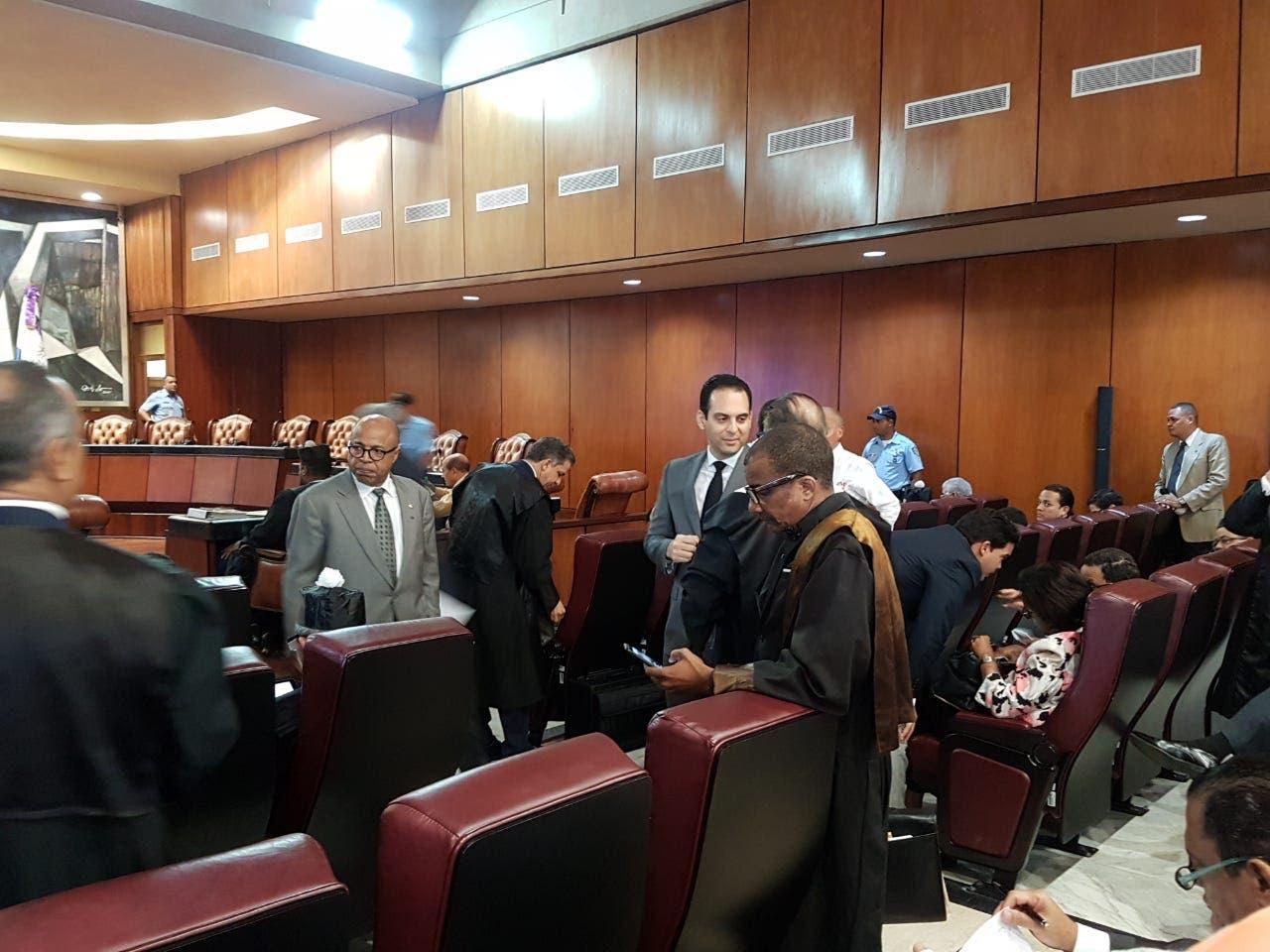 Juez dominicano aplaza audiencia de Caso Odebrecht