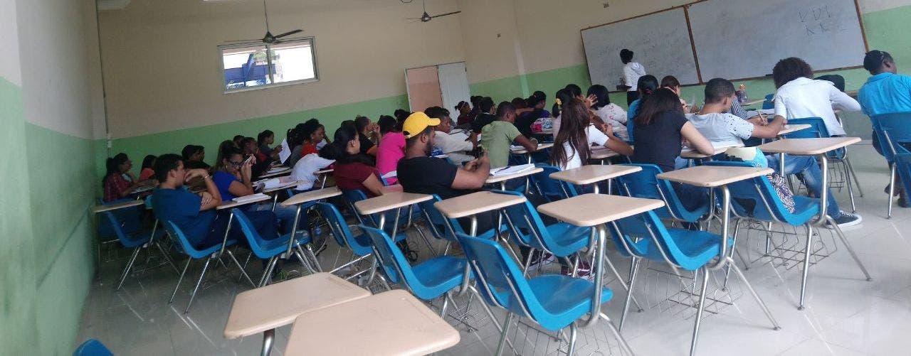 Paro de profesores en la UASDpierde fuerza