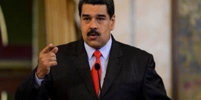 Nicolás Maduro habla durante  una conferencia de prensa en el palacio presidencial . AFP