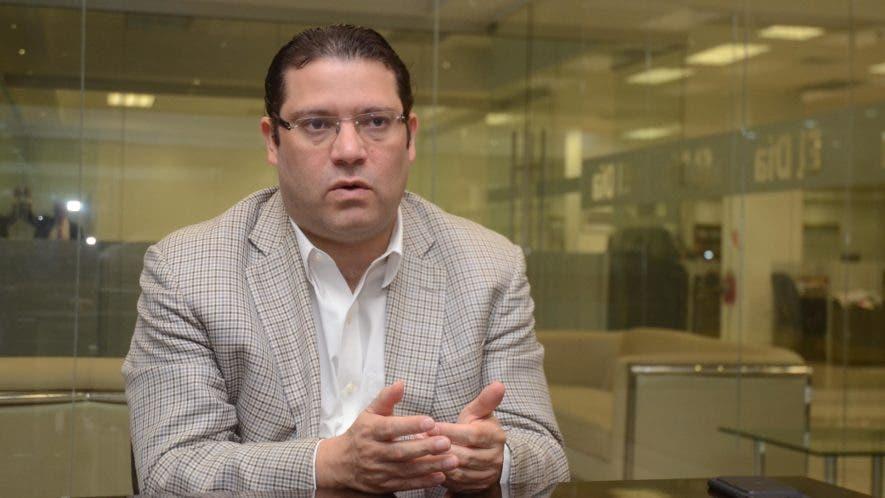 Eduardo Sanz Lovatón, es un político y abogado dominicano miembro del Partido Revolucionario Moderno. Foto: Pedro Sosa