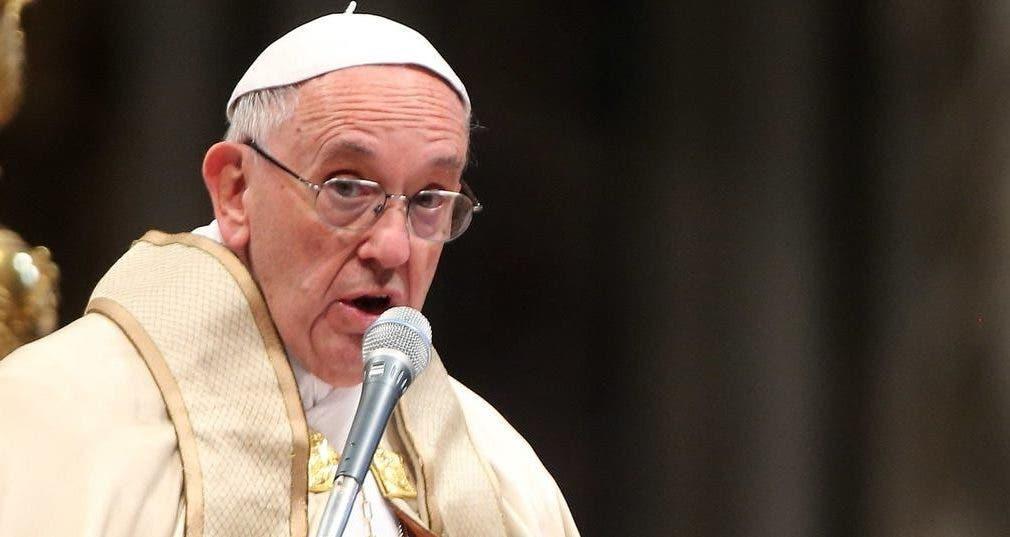 """La nota oficial recalca que """"la Santa Sede condena inequívocamente el abuso sexual de menores"""" y subraya que """"las víctimas deben saber que el papa está de su parte""""."""