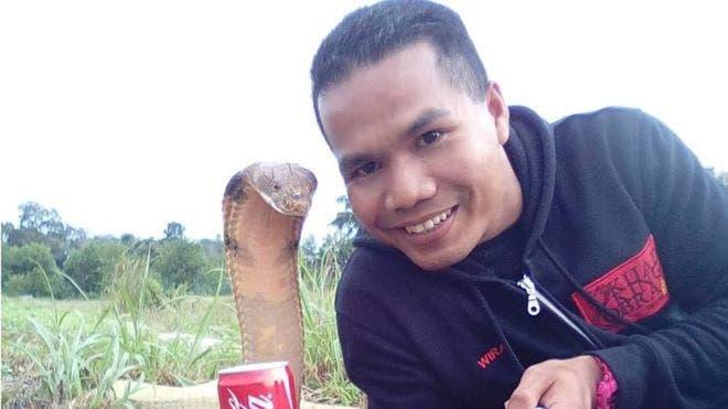 Abu habitualmente publicaba en sus redes sociales fotos donde se lo veía con serpientes. (Foto: Abu Zarin Hussin)