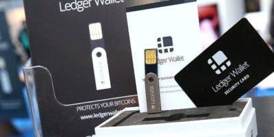 Los dispositivos Ledger Nano están diseñados para almacenar criptomonedas en su interior de forma segura.
