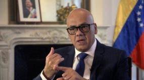 A menos de dos meses de las elecciones presidenciales del 20 de mayo, boicoteada por los principales partidos opositores y cuestionada por varios países, el ministro Jorge Rodríguez viajó a España y Francia para defender al gobierno del presidente Nicolás Maduro.