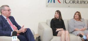 Moisés Taveras, Laura Sartori y Jacqueline Herrera  durante  el conversatorio.  Elieser Tapia.
