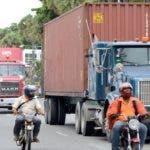Camiones transitando por la avenida Jorge Washington/foto El Día, José de León