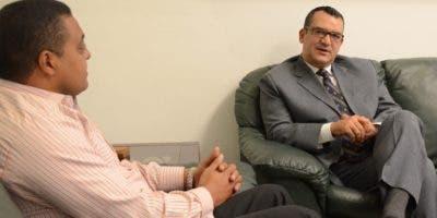 Román Jáquez visita al director de EL DÍA,  José P. Monegro.