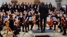 La orquesta de la Universidad de  Hamburgo en concierto.