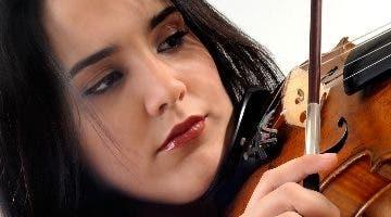 La famosa violinista Aysha Sied .  Archivo