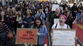 Se calcula que 3,000 escuelas en todo el país se  sumaron a las manifestaciones.  AP