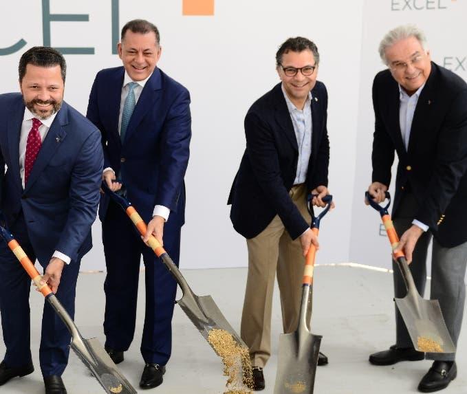 Eduardo Cruz, Gabriel Castro, Alberto Cruz y Gabriel José Roig.