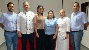 Salvador Nunziata, Francis Cabreja, Rosa Arredondo, Verónica Díaz,  Annie Camacho y Edgardo Morales.