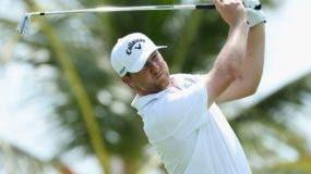 Brice Garnett  ejecuta  golpe durante la primera ronda del PGA Tour RD ayer  en Corales. AP
