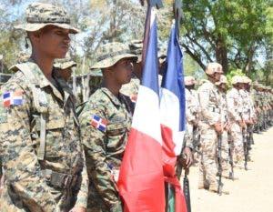 Parte de los militares desplegados en la zona fronteriza.