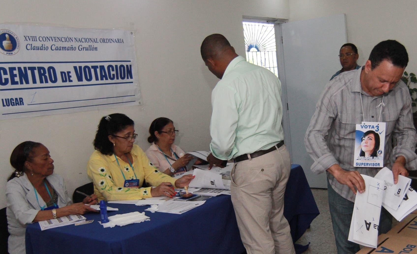 El PRM es  primero en realizar elecciones internas con su propio padrón para elegir las autoridades.  ARCHIVO
