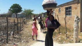 Los  dominicanos obligaron a salir    a los haitianos de la provincia hacia su país.
