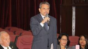 Fidel Santana, diputado nacional por el Frente Amplio, durante la sesión de hoy de la Cámara Baja.