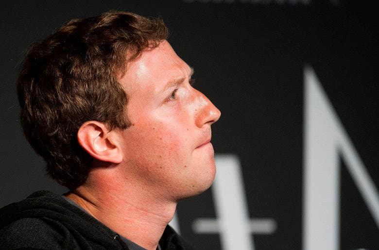 Mark Zuckerberg admite errores y promete protección de datos de sus usuarios