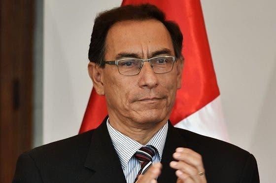 Popularidad de presidente de Perú se duplica tras retar oposición fujimorista