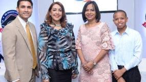 Alexander Uceta Lantigua, Katia Miguelina JIménez, Anina del Castillo y Luis Ángel Méndez.