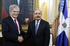 alfonso-dastis-es-recibido-por-el-presidente-danilo-medina