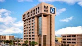 Edificio donde se aloja la sede central del Banco Popular Dominicano, en la avenida Máximo Gómez esquina John Kennedy.