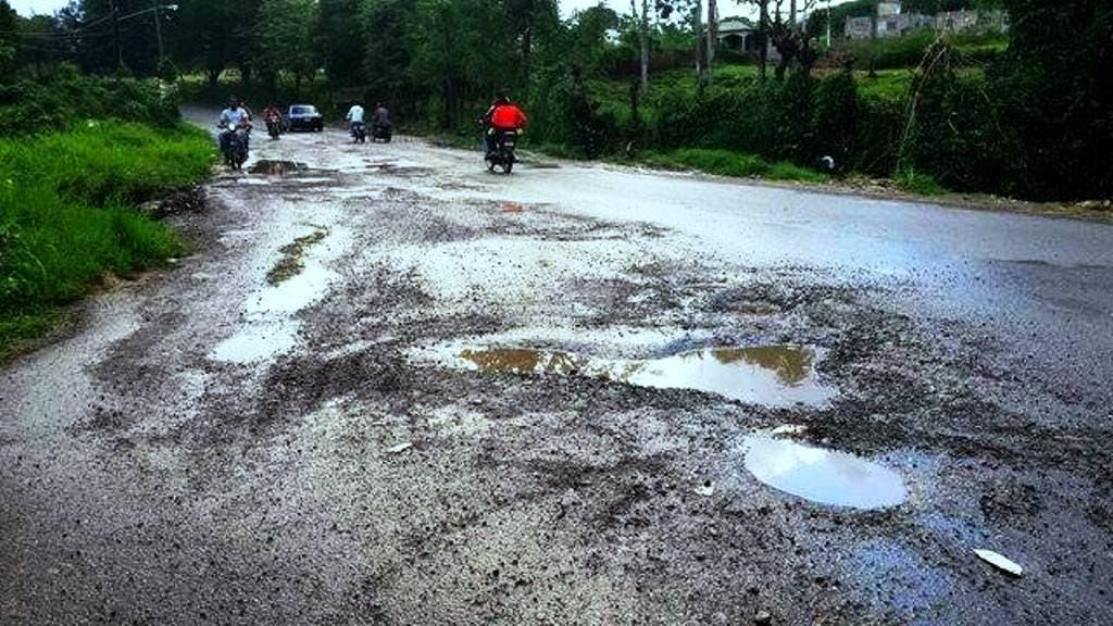 carretera-de-san-marcos-convertida-en-una-etcetera