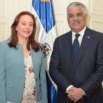 Canciller Miguel Vargas, y su homóloga de Ecuador, María Fernanda Espinosa.