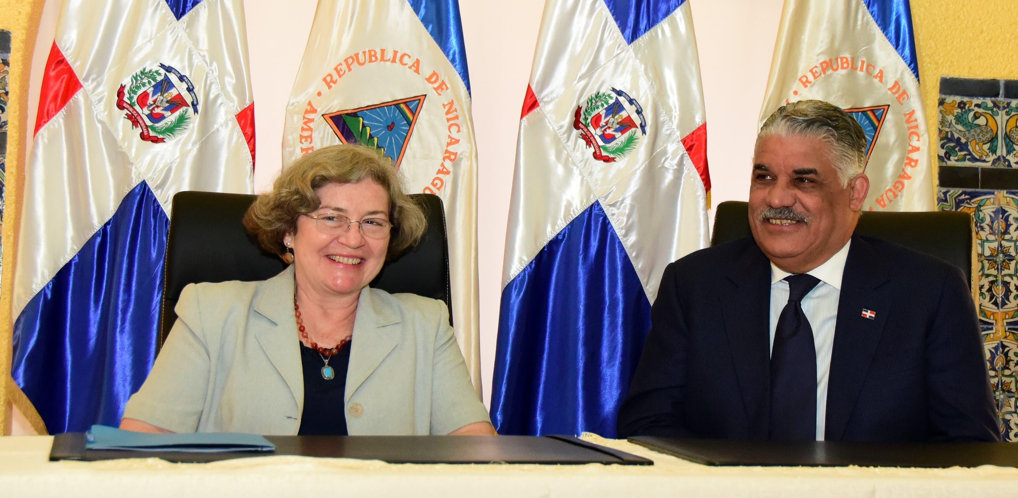 Bettina Rodríguez y Miguel Vargas.