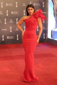 Clarissa Molina, presentadora de la alfombra roja.