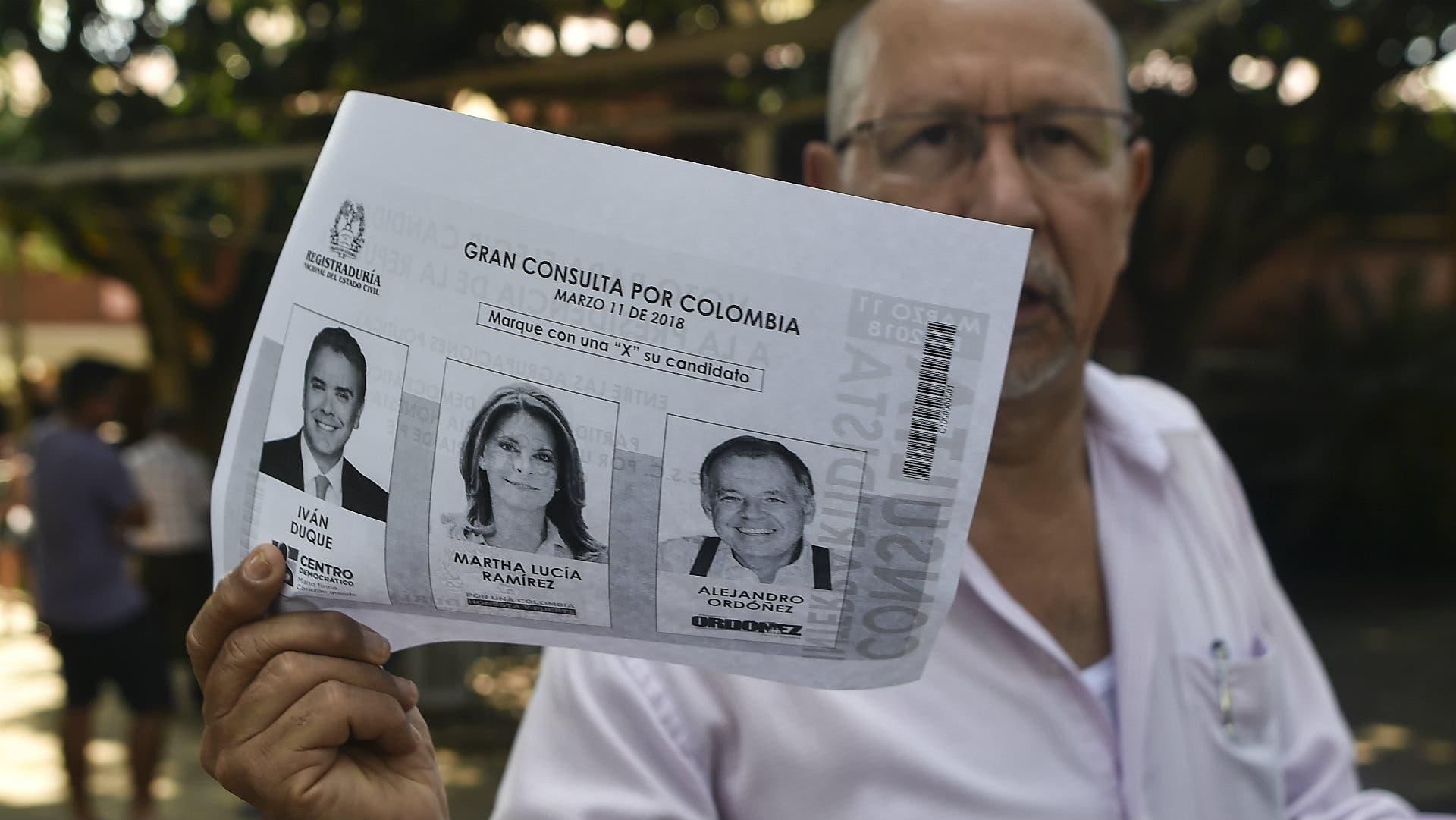 Colombia premia a la derecha y castiga a FARC antes de las presidenciales