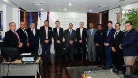 Junto a los ejecutivos de Dominican Wings estuvo presente Gonzalo Ramos Garzón, Director de Ventas de Airbus para Latinoamérica y el Caribe.