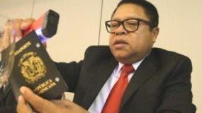 dominicanos-ny-demandan-presidente-medina-revocar-aumento-pasaportes-rd