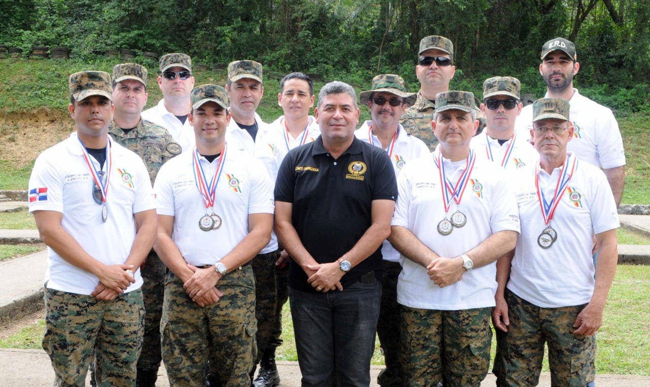 Ejército extiende dominio en competencias de tiro con pistola