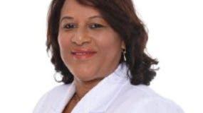La doctora Genara Santana explicó que la difteria se previene por vacunas, y la misma se transmite de persona a persona por secreciones de vías respiratorias, o mediante contacto físico con la persona afectada.