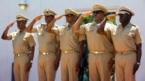 La mayoría de los militares nombrado formaron parte de la antigua Armada y fueron sancionados por los Estados Unidos en los años noventa por violaciones de derechos humanos.