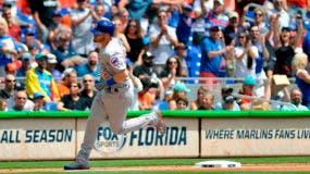 Ian Happ de los Cachorros de Chicago pasa por tercera base tras batear un jonrón contra los Marlins de Miami. (AP Photo/Gaston De Cardenas)