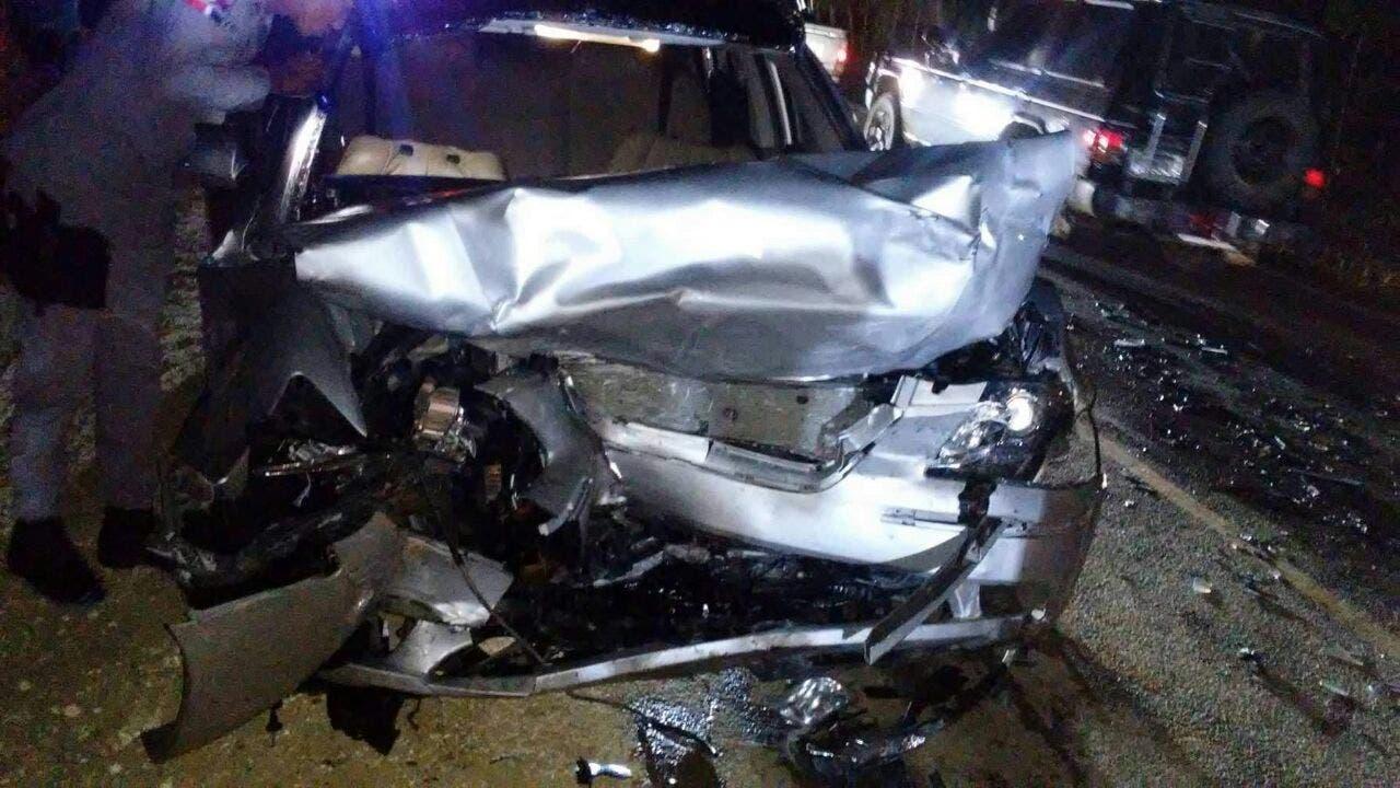 Violento accidente en Av. Roca dejó a varias personas heridas