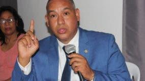 El candidato a la presidencia municipal del Partido Revolucionario Moderno (PRM), en Santo Domingo Este, Alexis Isaac Jiménez.
