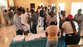 Militantes del PRM durante el proceso de votación en su votación interna el pasado 18 de marzo.