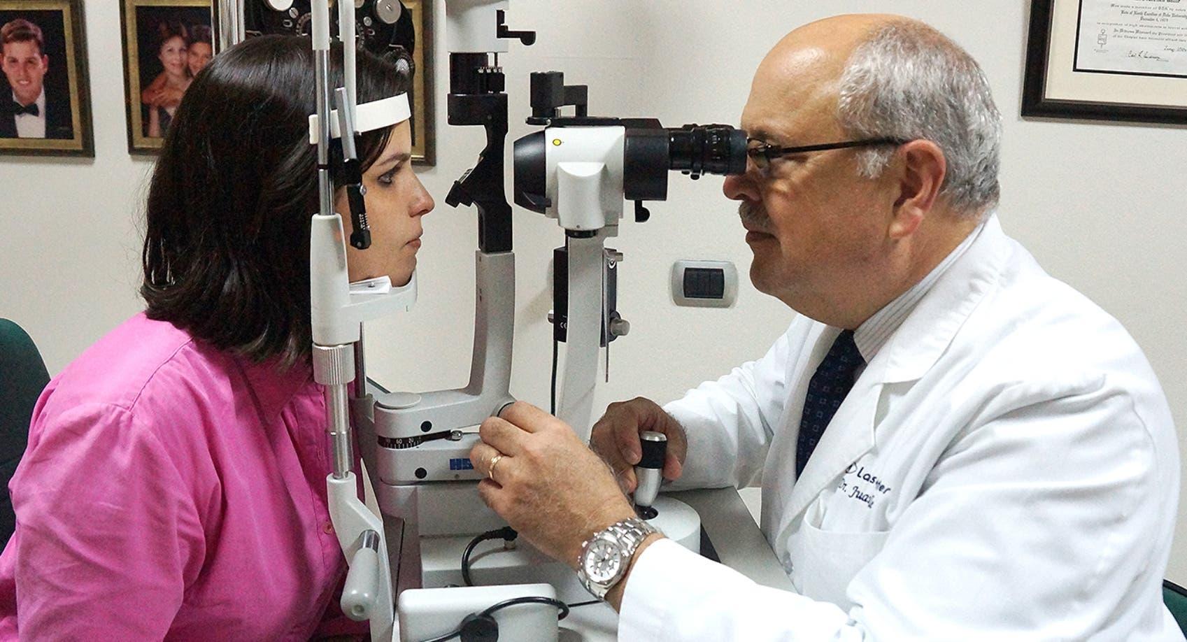 El glaucoma puede afectar a las personas de todas las edades,  siendo los mayores de  60 años los que tienen más  riesgo.
