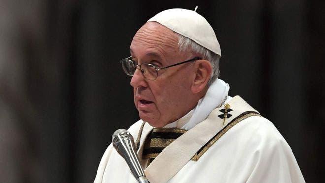 """El papa pide un pacto mundial que asegure """"humanidad"""" ante los refugiados"""