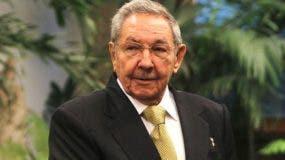 Raúl castro es el actual presidente de Cuba.